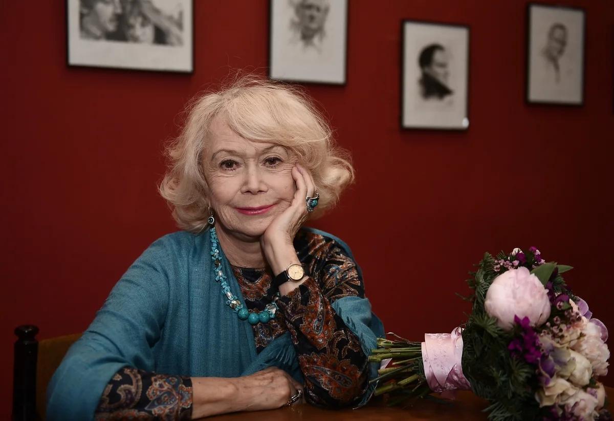 Сегодня день рождения отмечает Немоляева Светлана Владимировна.