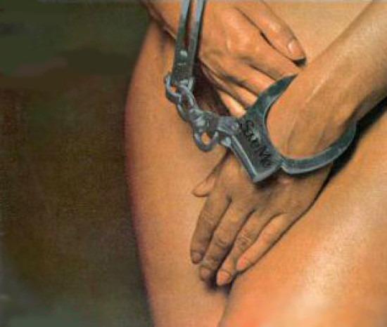 Безработный россиянин решил заработать и чуть не продал двух восьмиклассниц в сексуальное рабство за 1,1 млн рублей Безработный уроженец Тамбовской области, ранее судимый за кражу, попытался