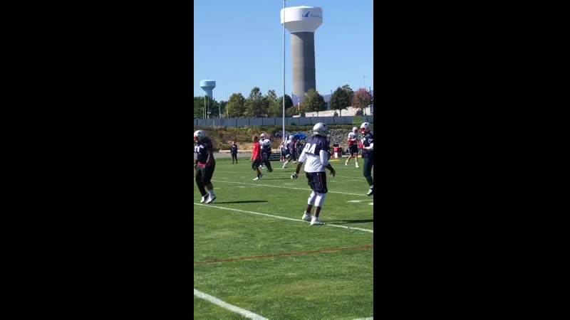 Long, animated conversation between Tom Brady and Antonio Brown during the warmup period