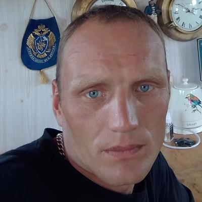 Юрий, 31, Kireyevsk