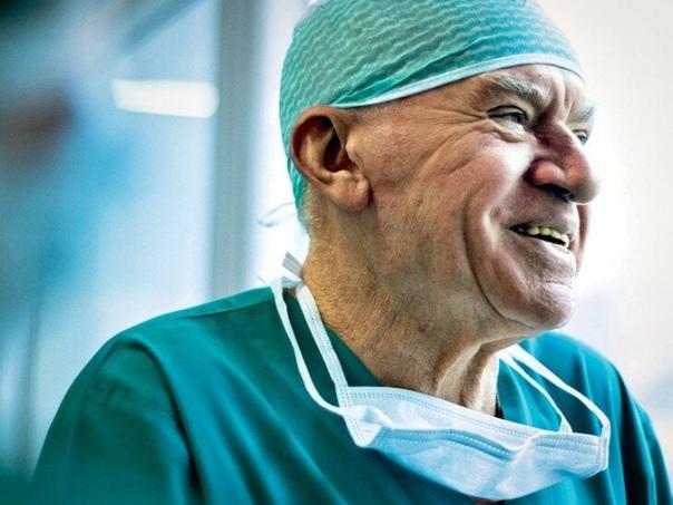 Почему доктор Лео Бокерия рекомендует завтрак отдавать врагу О взгляде на питание главного кардиолога РФ хочу вам рассказать.Я очень уважаю доктора Лео Бокерия. Это же настоящий врач от Бога.