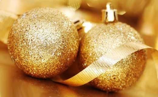 Доброго времени суток))) Чувствуете преближения нового года Наверное все уже видили красивые новогодние венки из шишок! Пора самим его сотворить! Для этого вам понадобится:1. Пенопластовая