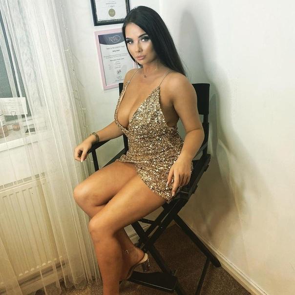 Тело модели обезобразили страшные ожоги, после того как рядом взорвалась бутылка с маслом для загара После несчастного случая у себя дома на востоке Ньюкасла, Англия, модели Ким Грэм ещё долго