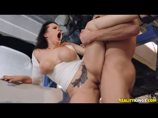 Nadia White - Autoshop [All Sex, Blowjob, Big Tits, 1080p]