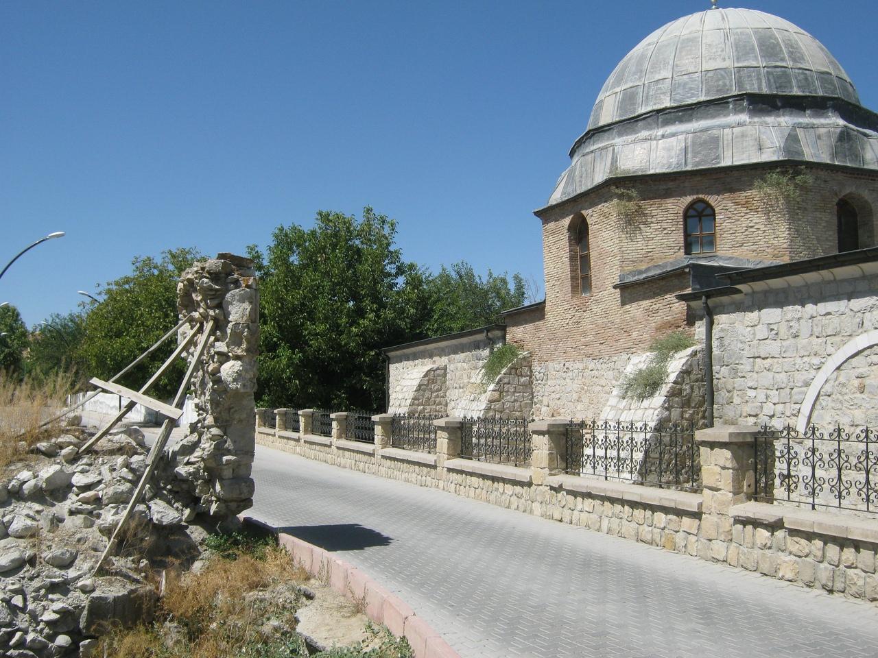 Поддержка старинных развалин в Турции