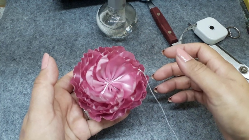 FLORES COMO HACER FLORES de Listón con Molde Técnica Mayra para decorar Coronas para Bebes