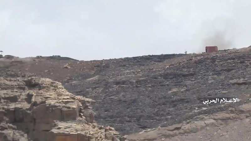Артиллерийские удары хуситов по хадистам в районе Аль Хамад